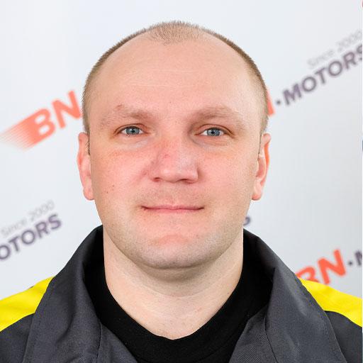 Брегвадзе-Димитрий---водитель-техник